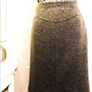 Beautiful CHANEL Highwasted skirt!!
